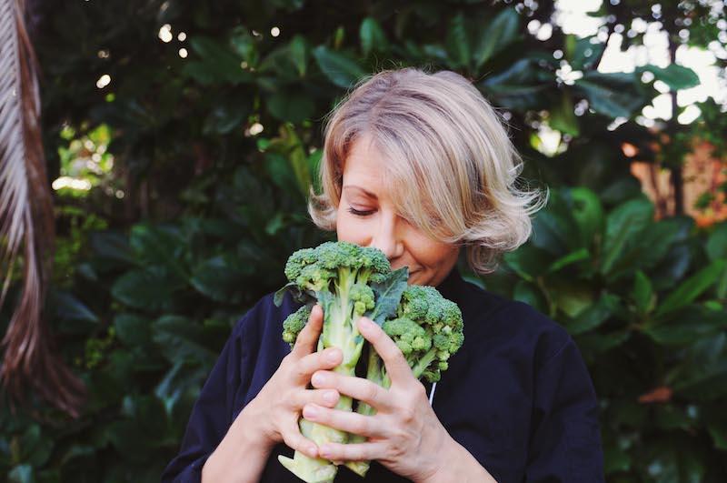 Amber smelling broccoli